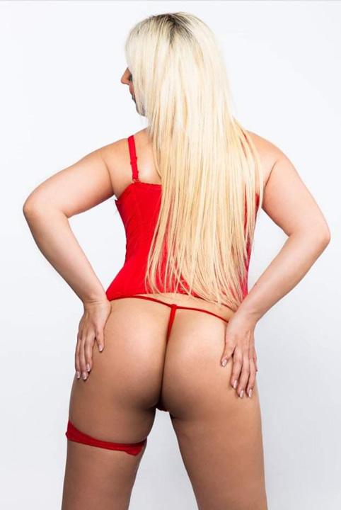Mirella Andrea massages
